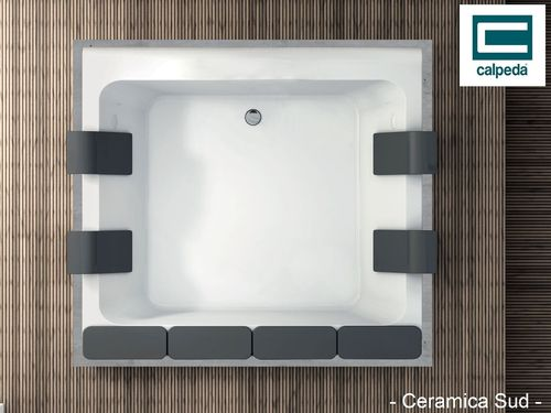 Calpeda self-draining whirlpool bath 211 x 192 cm.